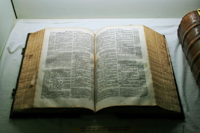 bible-open-at-book-of-psalms